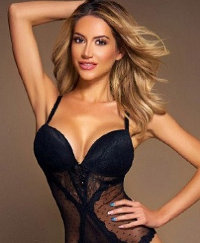Vivian 1st Class Escort in London